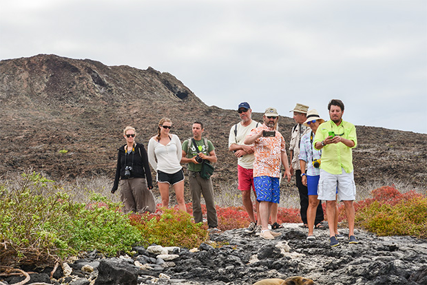 Family cruises to the Galapagos Islands 2017