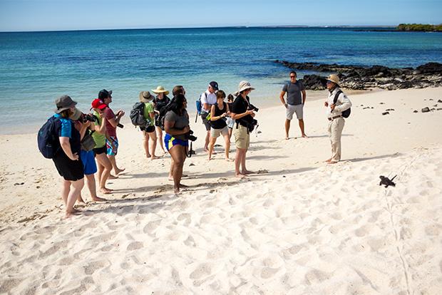 AdventureSmithExplorations.com Crucero por las Islas Galápagos